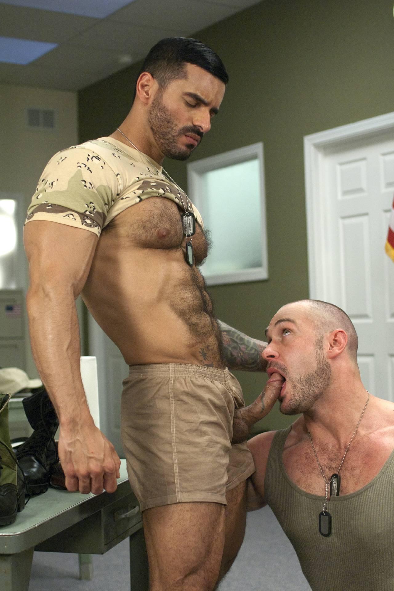 Сексуальный военный фото 1 фотография
