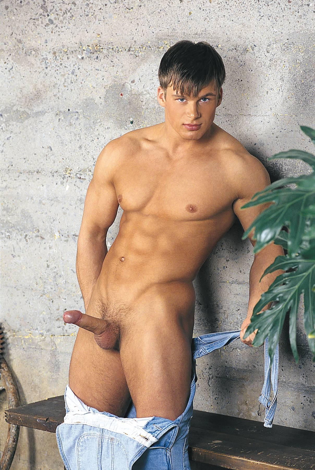 Сайты голых парней 15 фотография