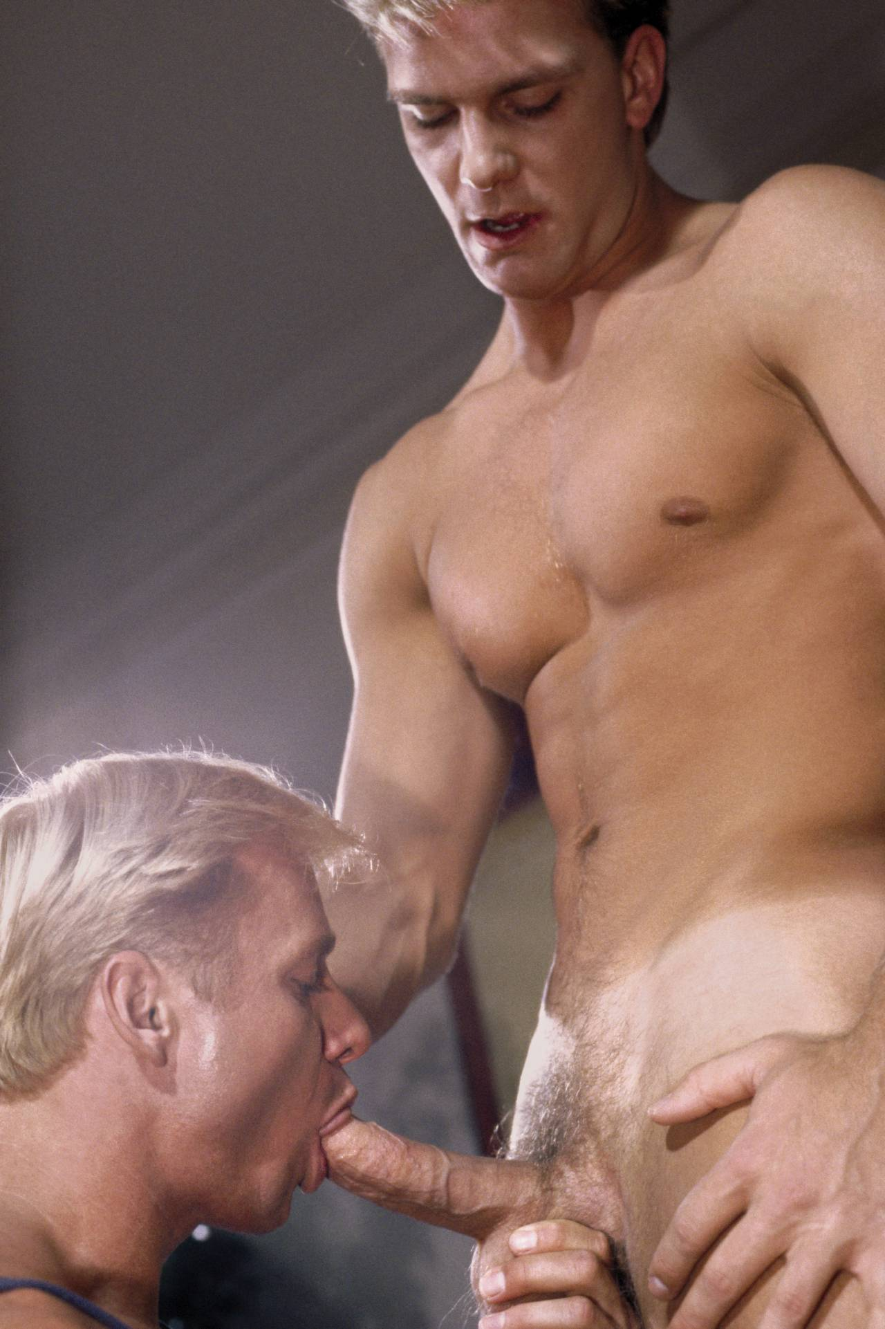 Free gallery movie monstercock cum shemale